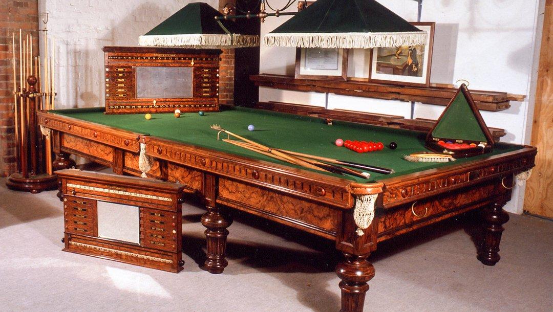 Burroughes & Watts Edward VII table