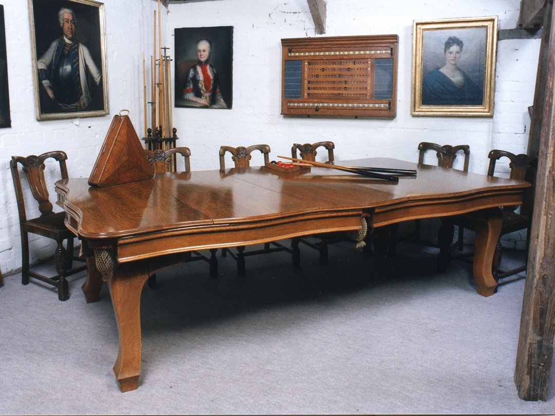 Cantilever Pool table - 8ft Oak