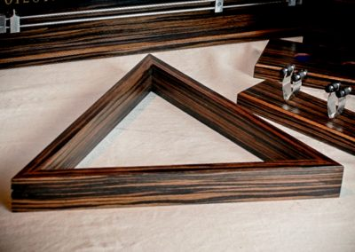 Scoreboard_2pcCueRack_Triangle - Macassar-4x3-4